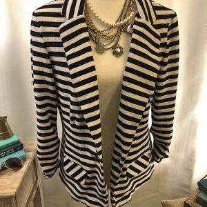 ⭐️🆕 Black & White Striped Blazer - with stretch!